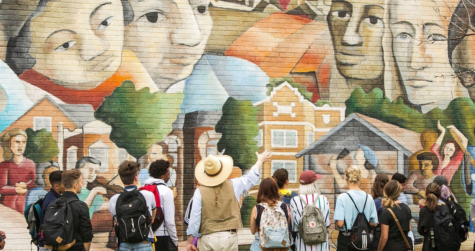 Discover Chicago: Art & Murals